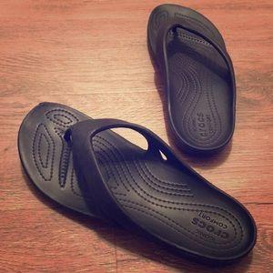 EUC Crocs Black Classic Flip Flop